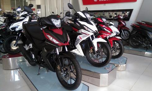 Theo công bố của nhà sản xuất, Honda Winner 150 bản tiêu chuẩn có giá 45,5 triệu đồng, bản cao cấp giá 46 triệu đồng.