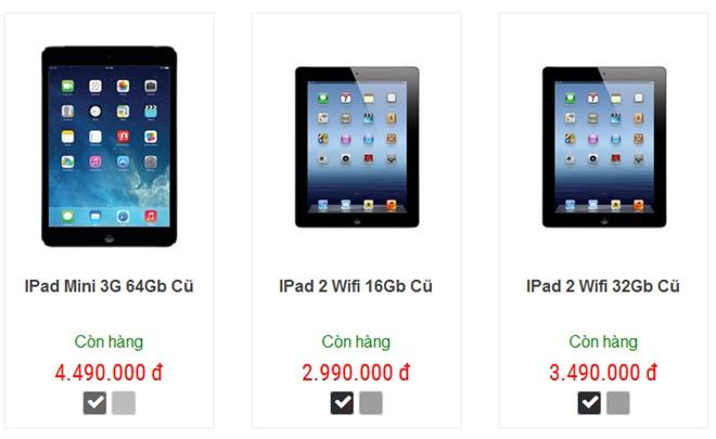 Giá bán một số mẫu iPad cũ tại một cửa hàng ở Hà Nội.