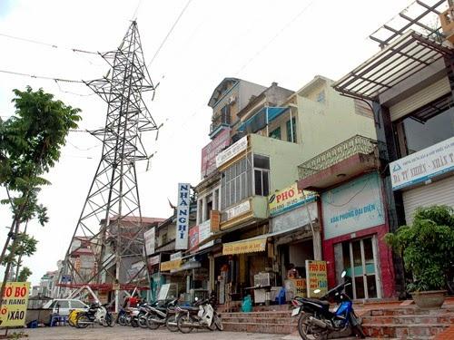 Nhà gần tháp điện cao thế ảnh hưởng rất lớn đến sức khoẻ gia đình.