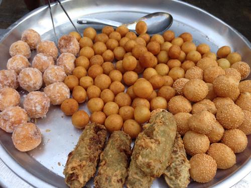 6 món ăn vặt nên thử trong chợ ở Bangkok