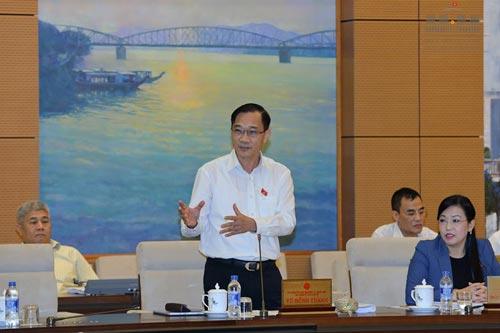Chủ nhiệm Ủy ban Kinh tế Vũ Hồng Thanh đề nghị nên quy định một chương về đấu giá nợ xấu và tài sản bảo đảm của khoản nợ xấu