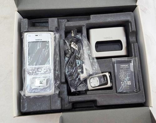 Chiếc Nokia N91 nguyên phụ kiện, một trong những thiết bị anh Khanh quý nhất.