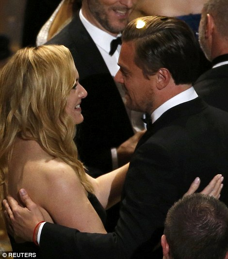 Anh được Kate chúc mừng trong giây phút xướng tên
