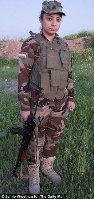 Nữ chiến binh 19 tuổi Shereh Muhamad