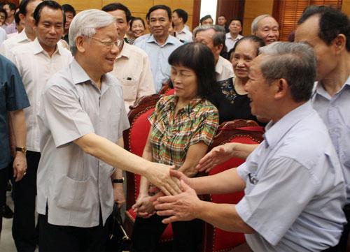 Tổng Bí thư Nguyễn Phú Trọng tiếp xúc cử tri quận Tây Hồ, TP Hà Nội Ảnh: Nguyễn Quyết