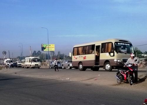 Bộ trưởng Bộ Giao thông Vận tải yêu cầu các địa phương phục vụ tốt nhất nhu cầu đi lại của người dân vào dịp TếtẢnh: GIA MINH