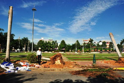 """Sáng 6-9, mảng xanh ở khu vực """"Bức tường Tiger"""" đổ sập vẫn chưa được khắc phục"""