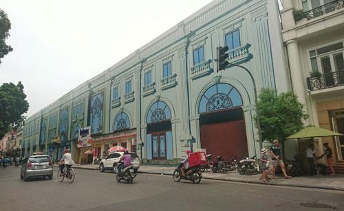 Phố Lê Thái Tổ (quận Hoàn Kiếm, TP Hà Nội) dự kiến sẽ trở thành phố đi bộ vào tháng 9-2016 Ảnh: Hà Phương