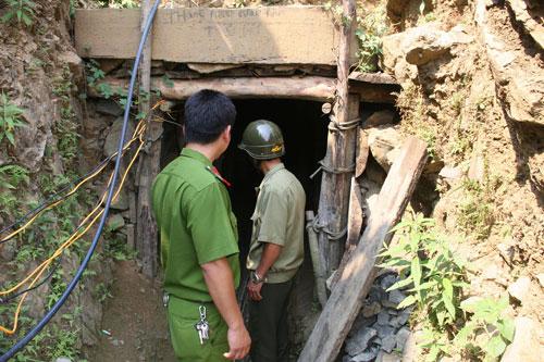 Hầm khai thác vàng, nơi xảy ra vụ ngạt khí khiến 4 người tử nạn hôm 12-4