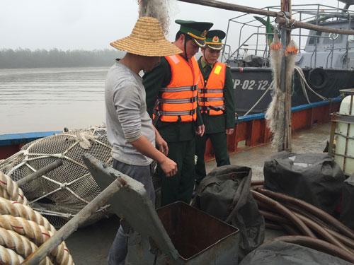 Bộ đội Biên phòng TP Hải Phòng kiểm tra tàu Quỳnh Dương Phổ