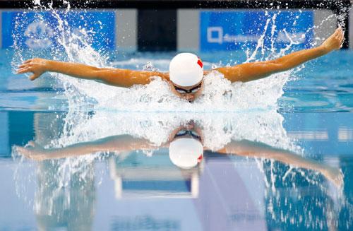 Ánh Viên trên đường bơi 200m bướm
