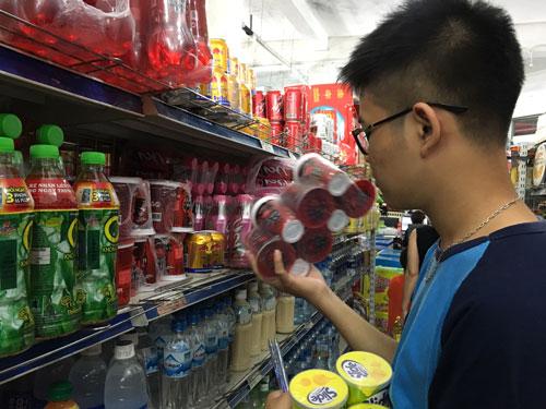 Thông tin nước ngọt C2 và Rồng đỏ có hàm lượng chì vượt mức cho phép khiến người tiêu dùng lo lắng