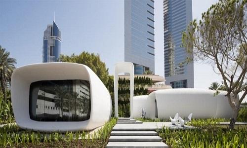 Năm 2016, công ty thiết kế Killa và Gensler phối hợp xây dựng văn phòng hoàn toàn bằng kỹ thuật in 3D đầu tiên trên thế giới tại Dubai. Công trình được mệnh danh là văn phòng của tương lai. Quá trình xây dựng và lắp ráp chỉ diễn ra trong 17 ngày, tiết kiệm 50% chi phí lao động, tạo ra tất cả tiện nghi cần thiết cho một môi trường làm việc thoải mái, an toàn.