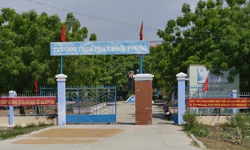 """Trường THPT Phan Đình Phùng, nơi ông Tuyên được điều động """"khống"""" để nhận các khoản trợ cấp, ưu đãi"""