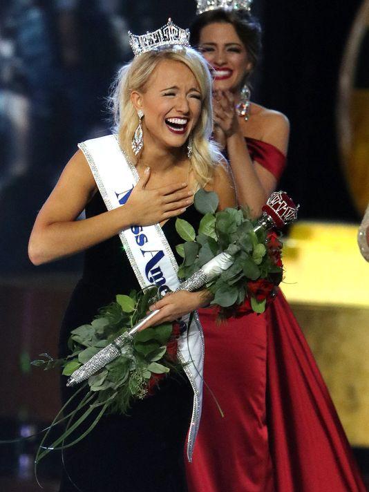Savvy Shields hạnh phúc đăng quang Hoa hậu Mỹ