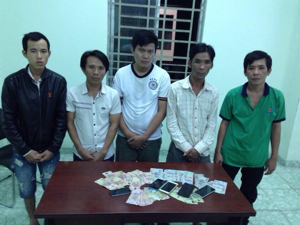 5 đối tượng bị bắt tại quán Trúc Xanh cùng tang vật