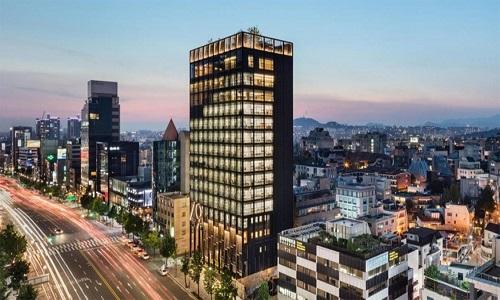 Shinsegae International là tòa nhà chọc trời ở Gangnam-gu, Seoul, Hàn Quốc, có khu vườn tuyệt đẹp trên mái nhà. Công ty Olson Kundig thiết kế dự án này nhằm cung cấp không gian làm việc và chỗ ở cao cấp cho người dân.