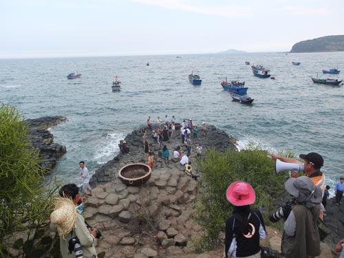 Gành Đá Dĩa - một trong những điểm thu hút khách du lịch đến với tỉnh Phú Yên Ảnh: TỐNG THIÊN
