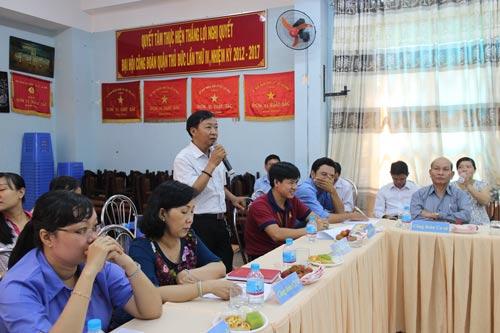 Đại biểu đóng góp ý kiến tại buổi tọa đàm