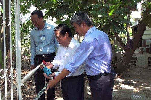 Nước sạch đã về với người dân An Phú Đông