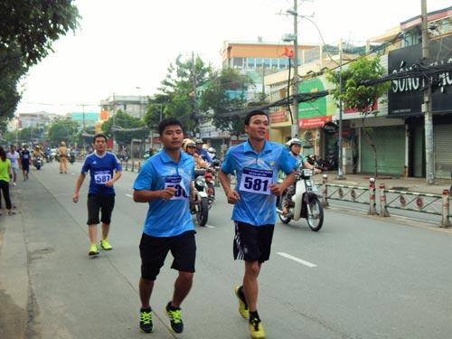 CNVC-LĐ tham gia giải việt dã do LĐLĐ quận Gò Vấp tổ chức