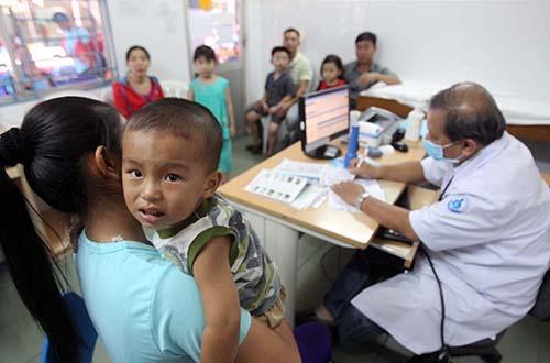 Trẻ em đang chờ khám tại Bệnh viện Nhi Đồng 1 (TP HCM) Ảnh: Hoàng Triều