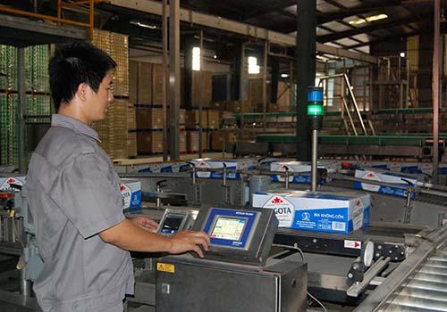 Sản xuất bia không cồn tại nhà máy của Sabibeco