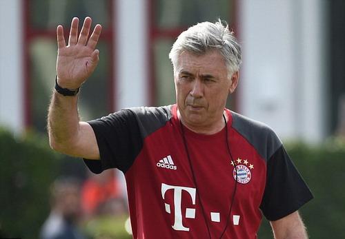 Douglas Costa chờ cơ hội khẳng định tài năng trước tân HLV Ancelotti