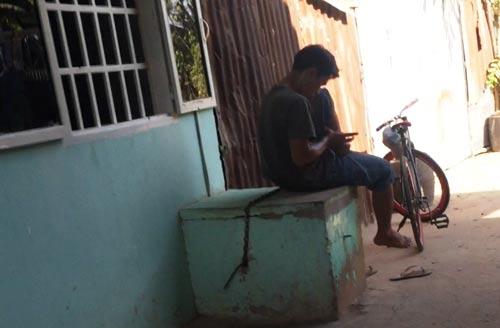 Một người nghiện sử dụng ma túy ở huyện Hóc Môn, TP HCM Ảnh: Lê Phong