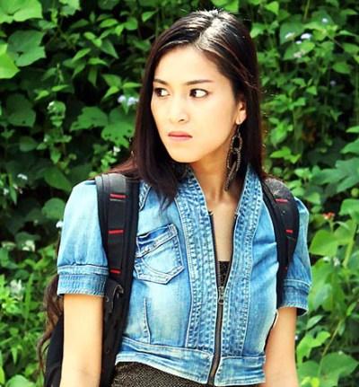 Nhung Kate trong vai Nathavon phim Bí mật Tam giác vàng