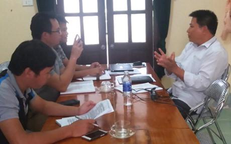 Ông Mạc Văn Lâm trao đổi với phóng viên thời điểm trước khi bị cách chức