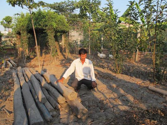 Ông Nguyễn Văn Bỉ, người bị khởi tố vì xây chòi vịt, cuối cùng đã được đình chỉ điều tra. Ảnh: Lê Phong