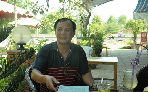 Ông Nguyễn Văn Tấn, chủ quán Xin Chào vui mừng vì được phục hồi quyền lợi