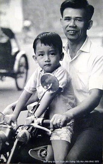 Minh Thuận và bố lúc anh còn tiểu học