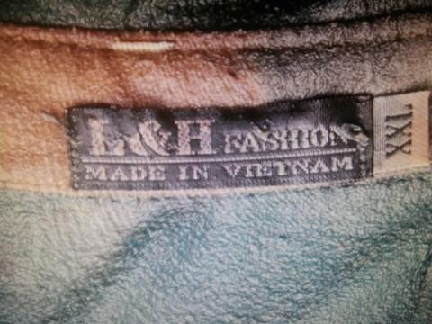 Nạn nhân đeo thắt lưng hiệu Levis, áo có in logo GM. Ảnh Cơ quan điều tra cung cấp