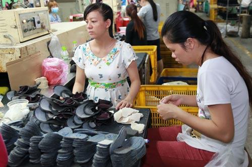 Da giày nằm trong 11 ngành, nghề có nguy cơ cao về bệnh nghề nghiệp ẢNH: TRỰC NGÔN