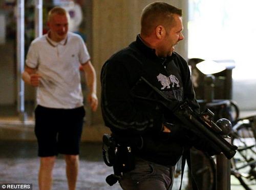 Cảnh sát Pháp kiên quyết dẹp loạn