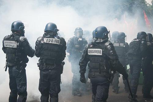 Cảnh sát Pháp có một mùa Euro cực kỳ vất vả