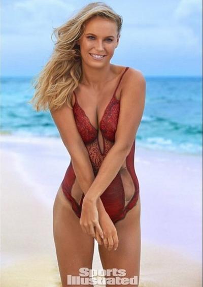 Wozniacki trở thành tác phẩm body-painting bên bãi biển