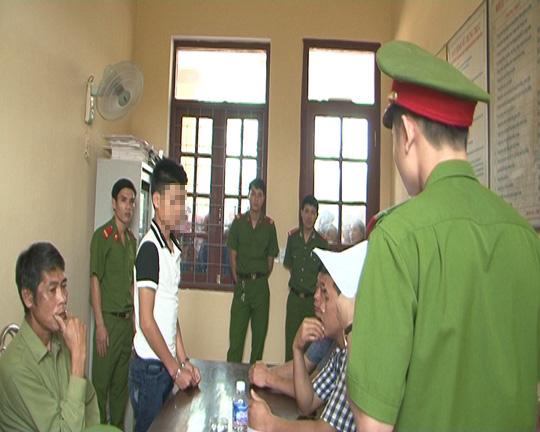 Quang bị bắt giữ để lấy lời khai