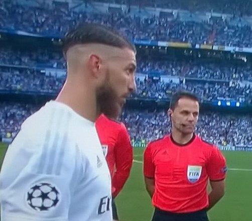 Kiểu tóc ngố chưa từng thấy của Ramos