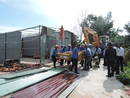Một công trình xây dựng trái phép bị chính quyền cưỡng chế