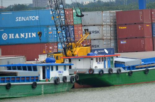 Hãng tàu Hanjin tuyên bố phá sản ảnh hưởng rất lớn đến tiến độ giao hàng của các doanh nghiệp xuất nhập khẩu Việt Nam Ảnh: Tấn Thạnh