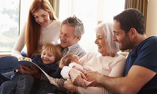 Gia đình hạnh phúc là một trong những yếu tố giúp cuộc sống trọn vẹn