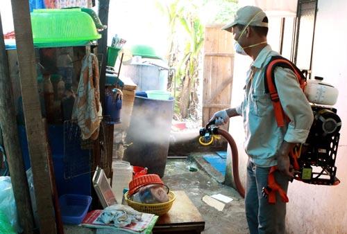 Bộ Y tế khẳng định chưa có bằng chứng nào về hóa chất diệt muỗi có liên quan đến bệnh teo não