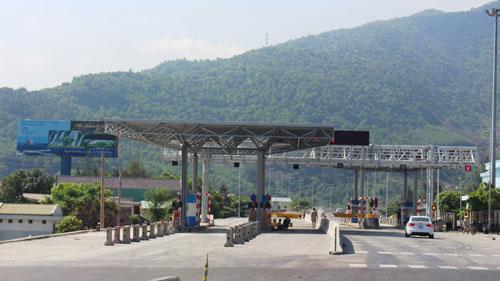 Trạm thu phí hầm đường bộ Phước Tượng và Phú Gia đặt ở đường dẫn hầm Hải Vân