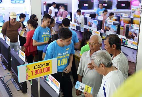Điện máy Xanh thu hút khách hàng