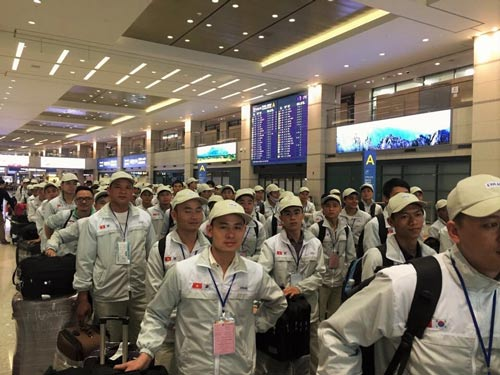 Người lao động lên đường đi làm việc tại Hàn Quốc theo chương trình EPSẢnh: DOLAB