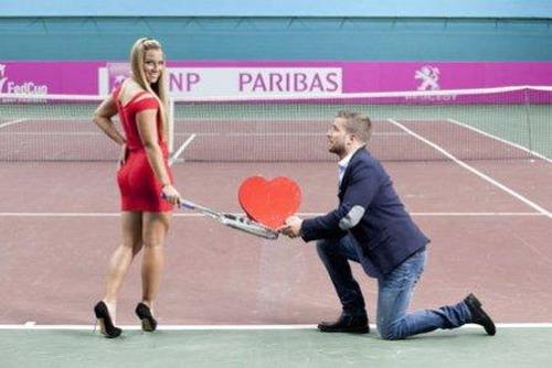 Bộ đôi này hẹn hò và đính hôn trong bí mật vì hình ảnh của Cibulkova trước công chúng