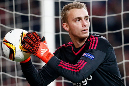 Jasper Cillessen trong màu áo Ajax Amsterdam